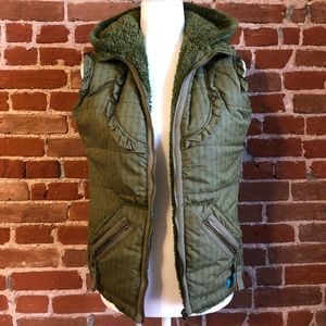 Billabong Green Soft Vest Lg.